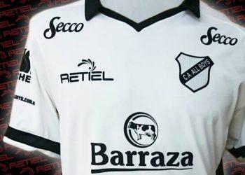 Camiseta titular de All Boys para 2017 | Foto Retiel