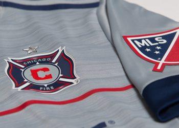 Camiseta suplente Adidas de Chicago Fire para 2017 | Foto web oficial