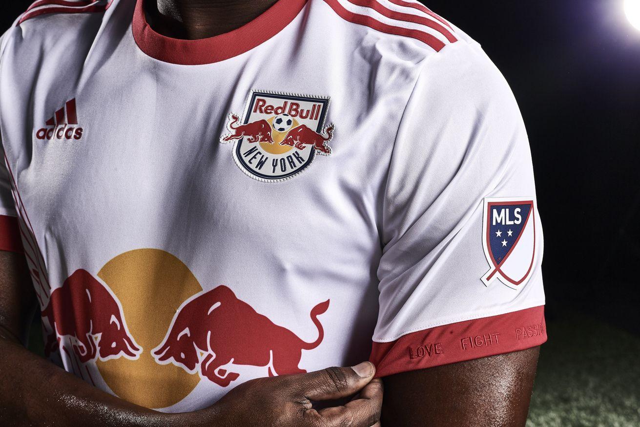 Camiseta titular del NY Red Bulls | Foto Web Oficial