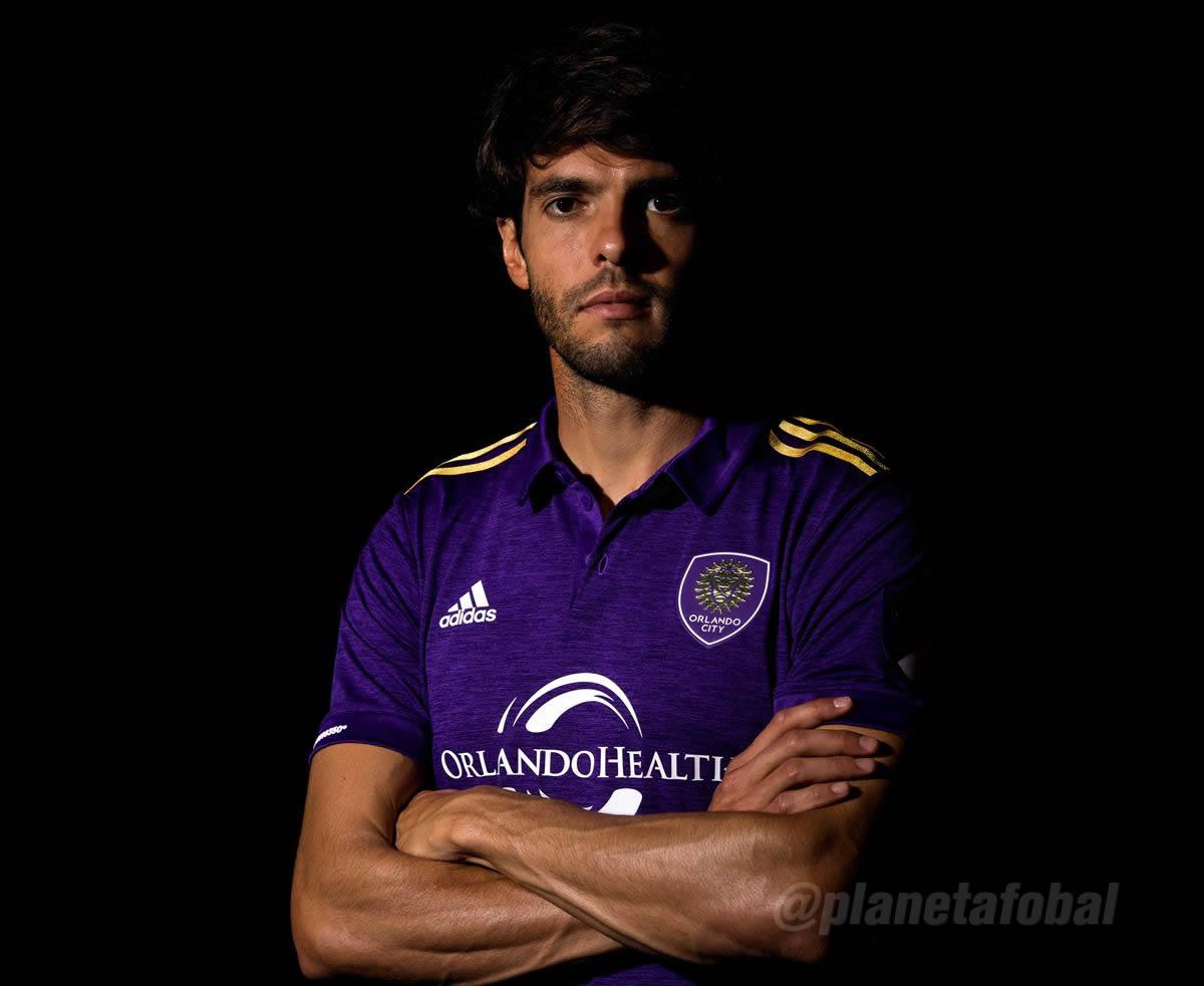 Kaká con la nueva casaca | Foto Web Oficial