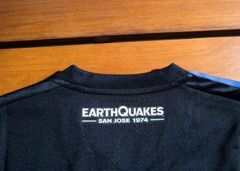 Camiseta titular de San José Earthquakes para 2017 | Foto web oficial