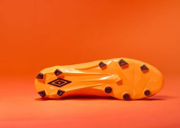 Nuevos colores para los Velocita 3 | Foto Umbro