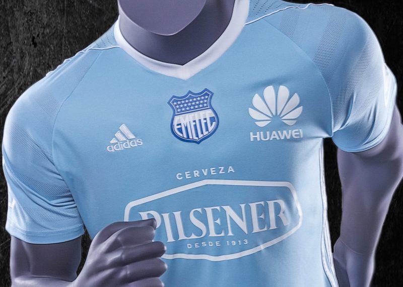 Nueva camiseta del Emelec | Foto Web Oficial
