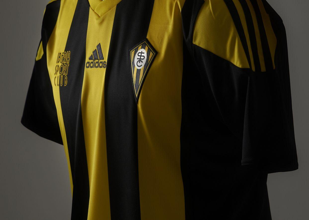 Camiseta especial Iberia Sport Club | Foto Real Zaragoza