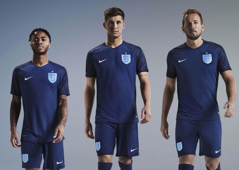 Nueva camiseta suplente de Inglaterra  e13816d43e345