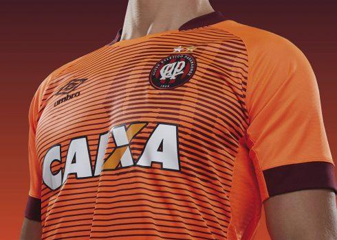Nueva camiseta suplente del Atlético Paranaense | Foto Umbro