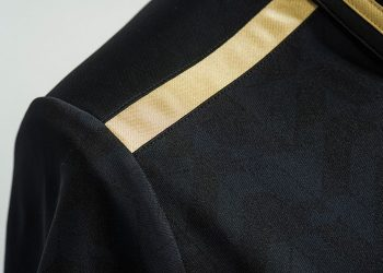 Nueva camiseta de Universitario | Foto Umbro