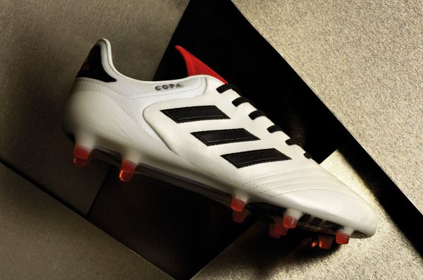 """COPA17 """"Champagne Pack""""   Foto Adidas"""