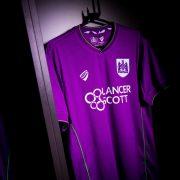 Camiseta suplente del Bristol City   Imagen Web Oficial