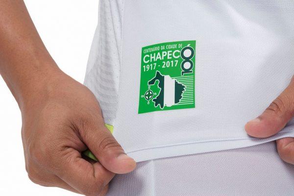 Camiseta suplente del Chapecoense | Foto Umbro