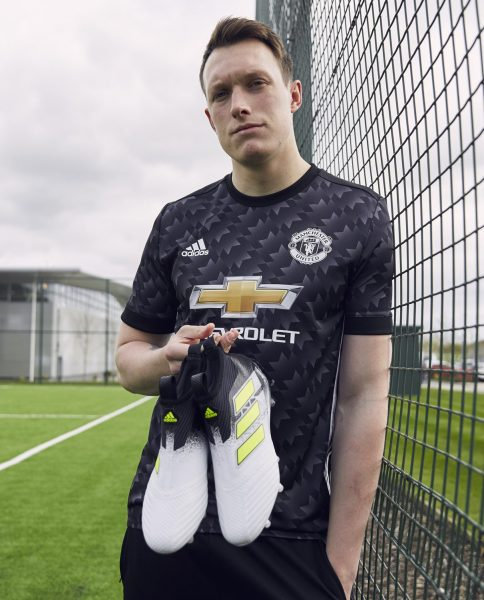 "Phil Jones con los ACE17+ PureControl ""Dust Storm"" 