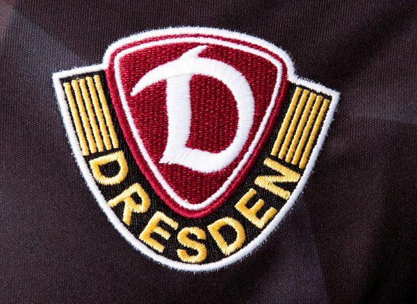 Nueva camiseta del Dynamo Dresden | Foto Web Oficial