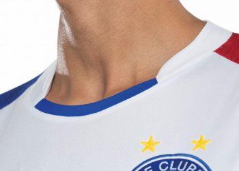 Nueva camiseta titular del EC Bahia | Foto Umbro