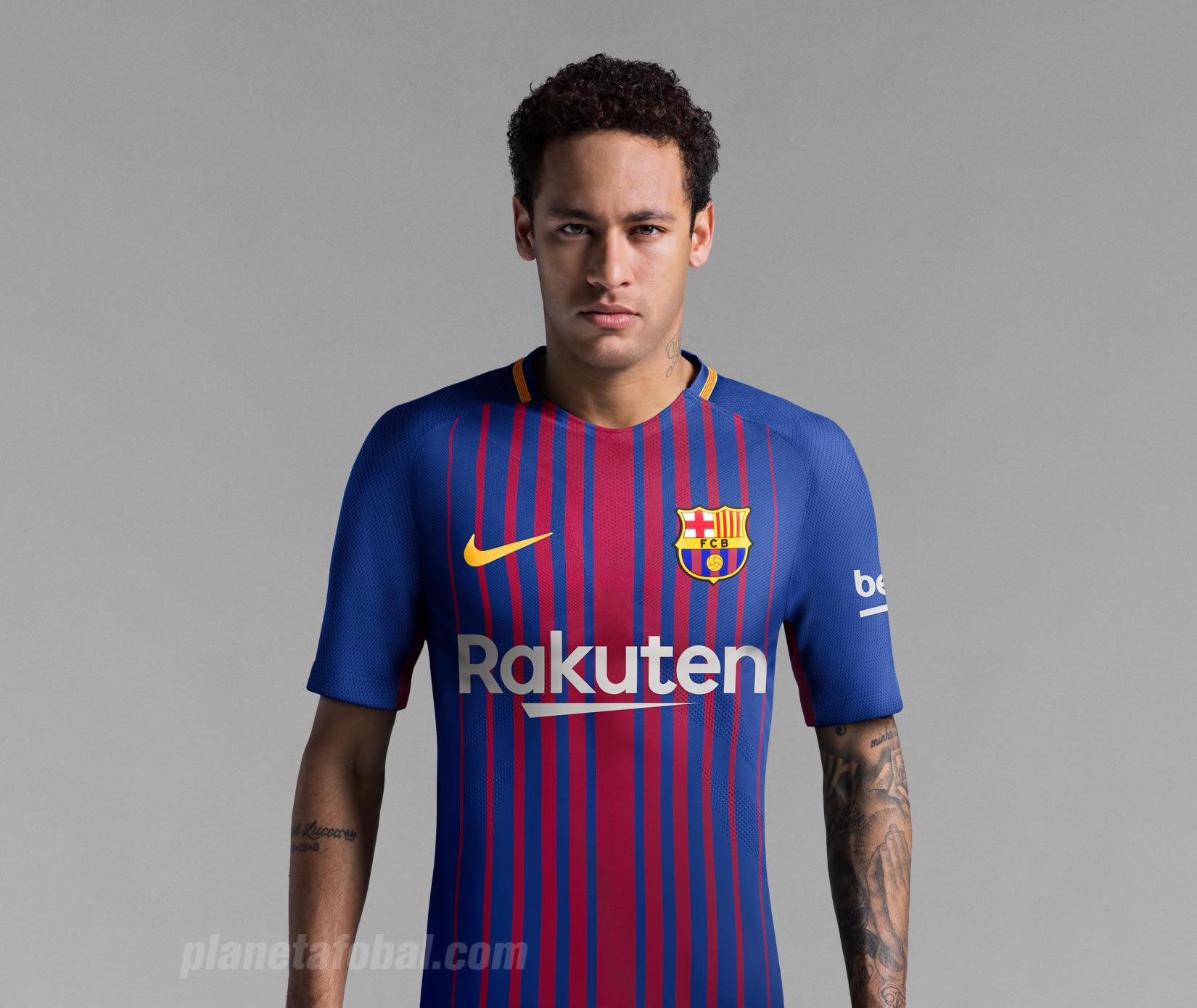 Neymar con la nueva camiseta titular 2017-18 del Barcelona | Foto Nike