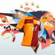 Nueva camiseta titular 2017-18 del Galatasaray | Imágenes Nike