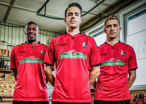 Nueva camiseta del SC Freiburg | Foto Hummel