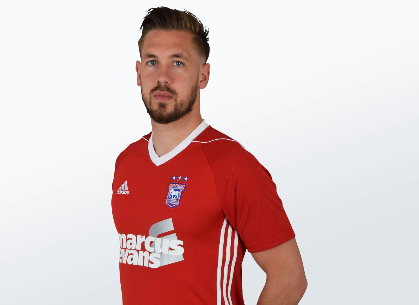 Camiseta suplente 2017-18 del Ipswich Town | Foto Web Oficial
