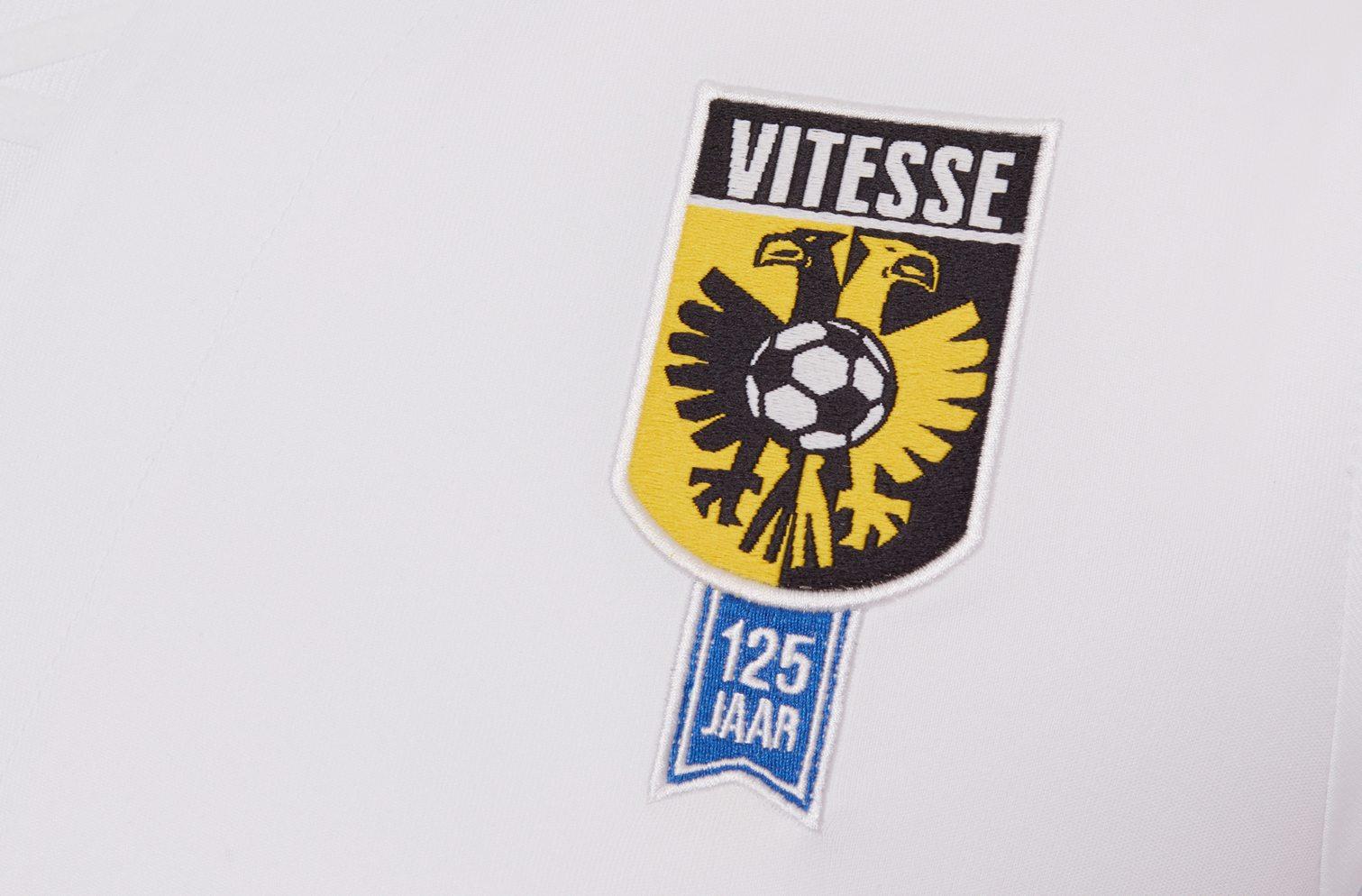 Camiseta suplente del Vitesse Arnhem | Foto Macron