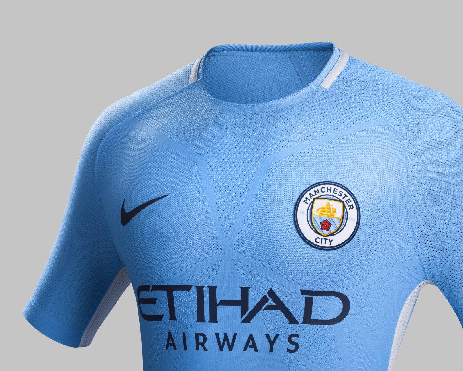 Camiseta titular Nike 2017-18 del Manchester City | Foto Nike