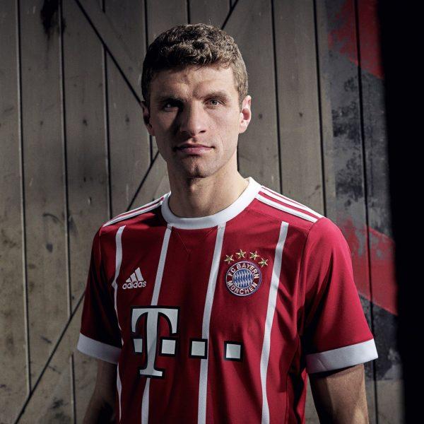 Müller con la nueva camiseta del Bayern Múnich | Foto Adidas