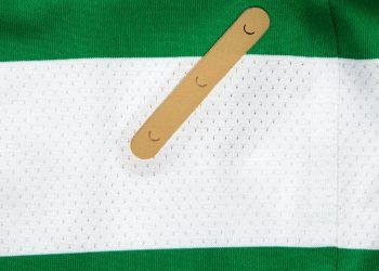 Camiseta titular 2017/18 del Celtic de Escocia   Foto New Balance
