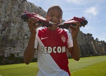 Mbappé con sus Hypervenom de la colección NIKEiD x Monaco | Foto Nike