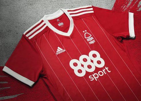 Camiseta titular del Nottingham Forest | Foto Web Oficial