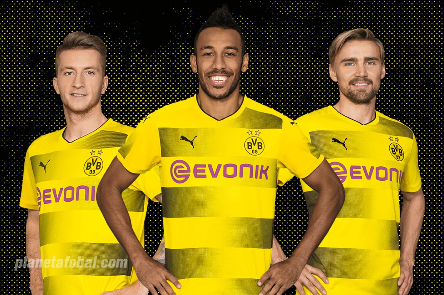 Reus, Aubameyang y Schmelzer posan con la casaca | Imagen Web Oficial