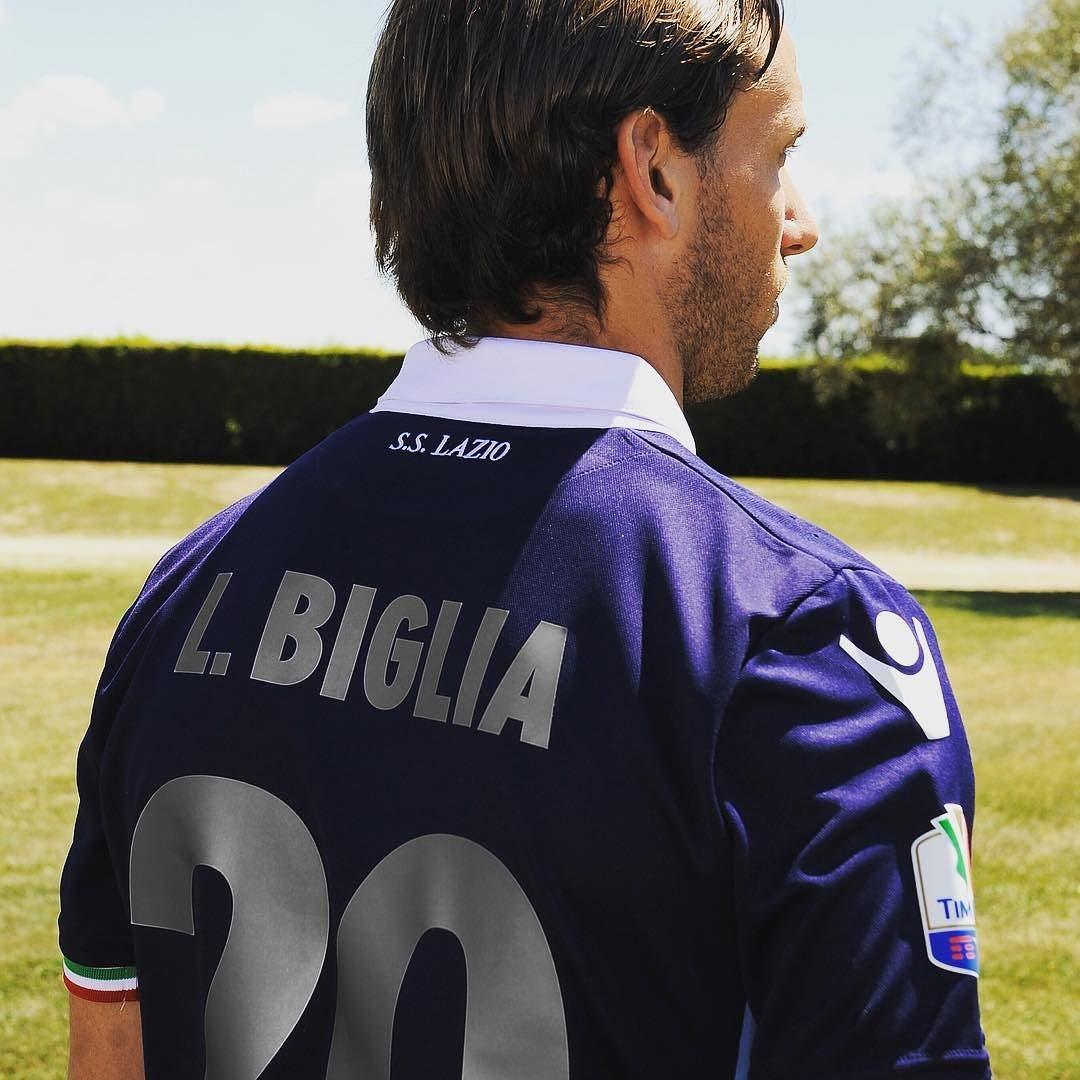 Lucas Biglia con la casaca especial | Foto Web Oficial