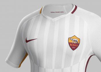 Camiseta suplente 2017-18 de la Roma | Foto Nike