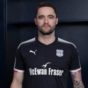 Camiseta titular del Dundee FC   Foto Web Oficial