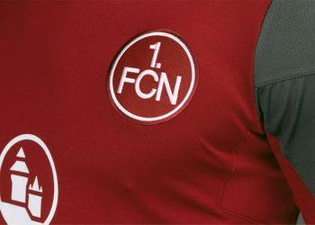 Camiseta titular Umbro 2017-18 del FC Nürnberg | Foto Web Oficial