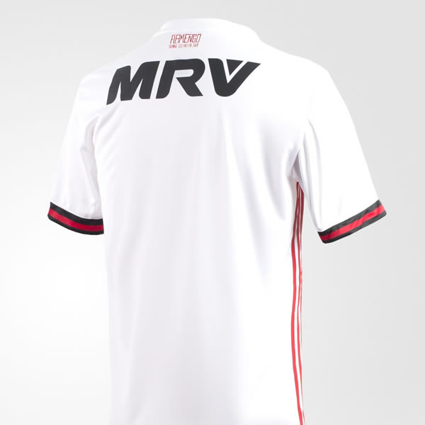 Camiseta suplente 2017-18 del Flamengo | Foto Adidas