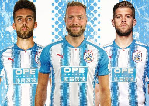 Camiseta titular Puma 2017-18 del Huddersfield Town | Foto Web Oficial