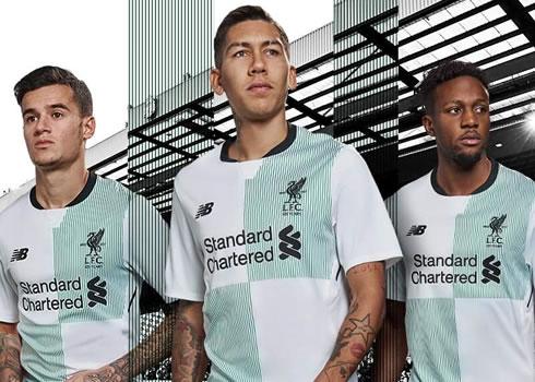 Camiseta suplente 2017-18 del Liverpool FC   Imagen New Balance