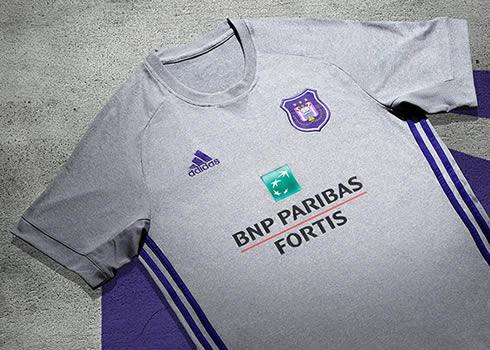 Nueva camiseta suplente del Anderlecht | Foto Web Oficial