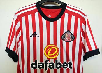 Camiseta titular Adidas 2017-18 del Sunderland | Foto Web Oficial
