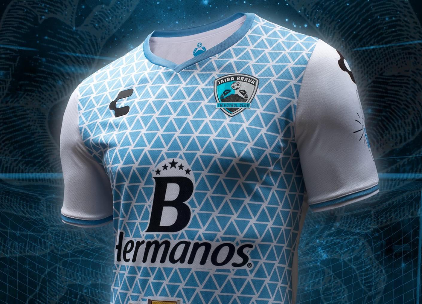 Camiseta titular del TM Fútbol Club | Foto Charly