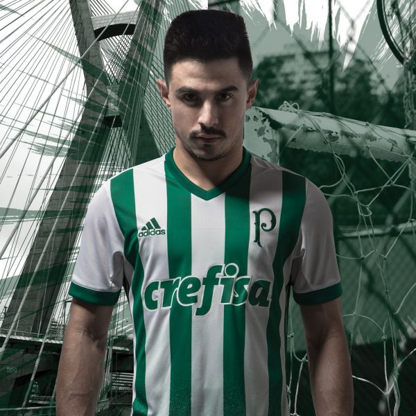 Willian con la nueva camiseta del Palmeiras | Foto Adidas