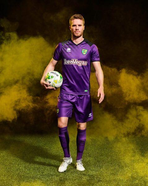Tercera camiseta Erreà del Norwich City | Foto Web Oficial