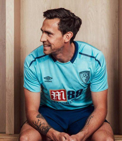 Camiseta suplente Umbro del AFC Bournemouth | Foto Web Oficial