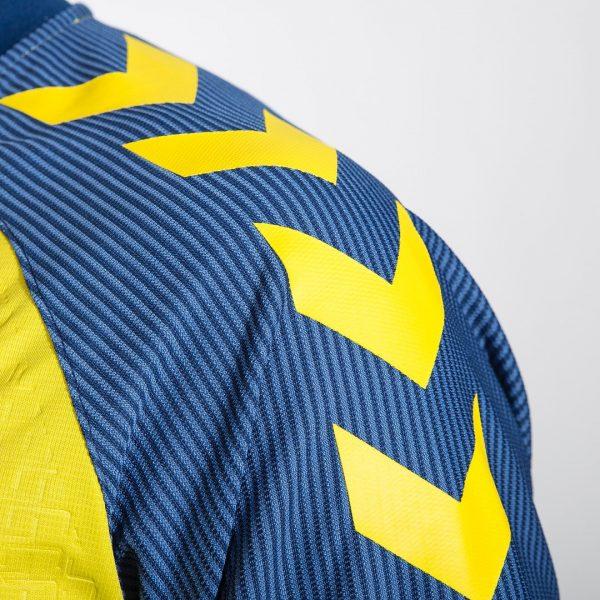 Camiseta titular Hummel del Brondby IF | Foto Web Oficial