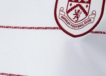 Camiseta suplente Puma del Burnley | Foto Web Oficial