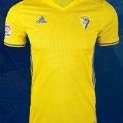 Equipación titular Adidas 2017-18 del Cádiz CF   Foto Web Oficial