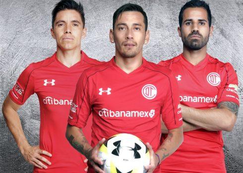 Camiseta titular Under Armour del Club Toluca   Foto Twitter Oficial