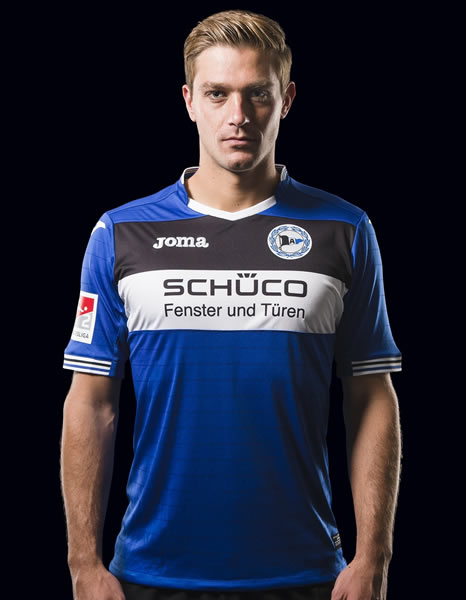 Camiseta titular Joma 2017-18 del Arminia Bielefeld | Foto Web Oficial