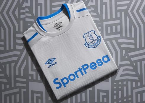 Camiseta suplente Umbro del Everton | Foto Web Oficial