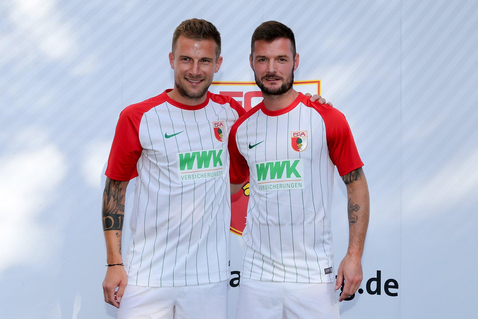 Camiseta titular Nike 2017-18 del FC Augsburg | Foto Web Oficial