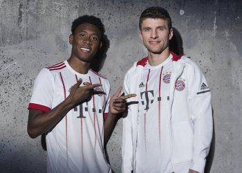 Müller y Alaba con el flamante kit | Foto Adidas
