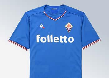 "Camiseta alternativa ""azzurra"" de la Fiorentina | Foto Web Oficial"